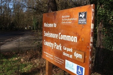 2020 - Snelsmore Common sign