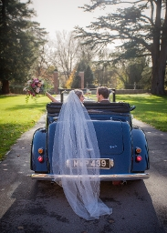 Shaw House Weddings - Driveway with vintage car